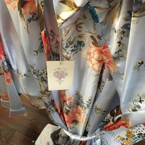 In Bloom (Jonquil) Kimono *new and never worn*